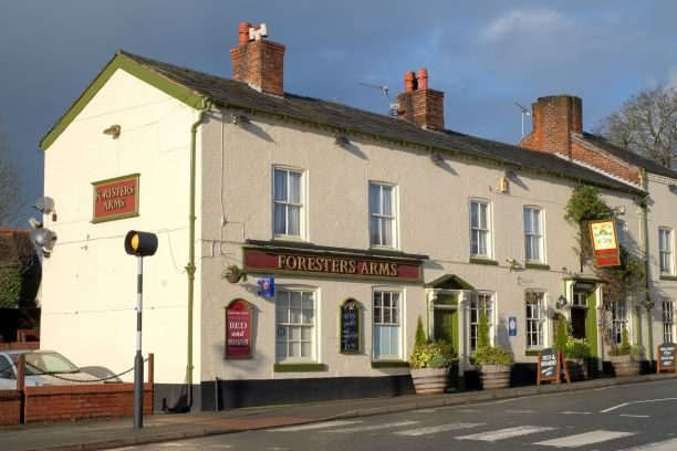 outside-front-of-pub-1.jpg-resize-1.jpg