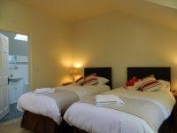 Bedroom-1-b-e1463865101571.jpg