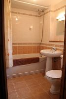 bathroom_img_1885.jpg